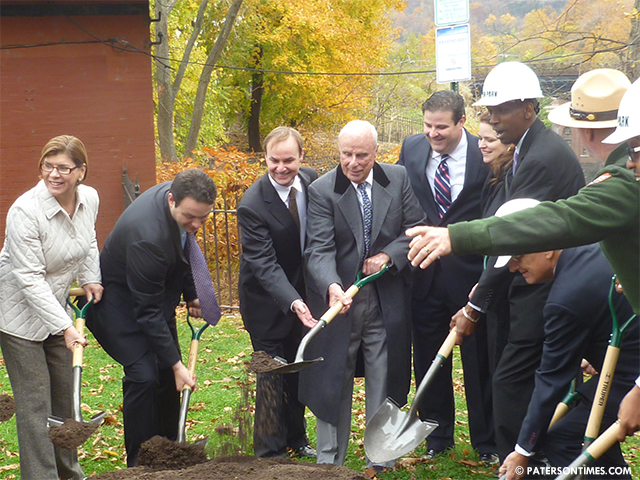 Mary-Ellen-Kramer-Park-ground-breaking