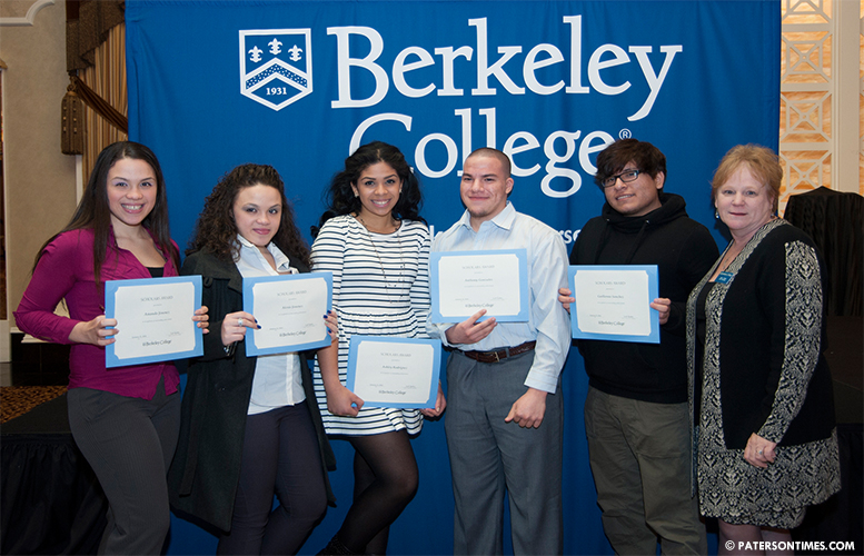 paterson-students-receive-scholarships