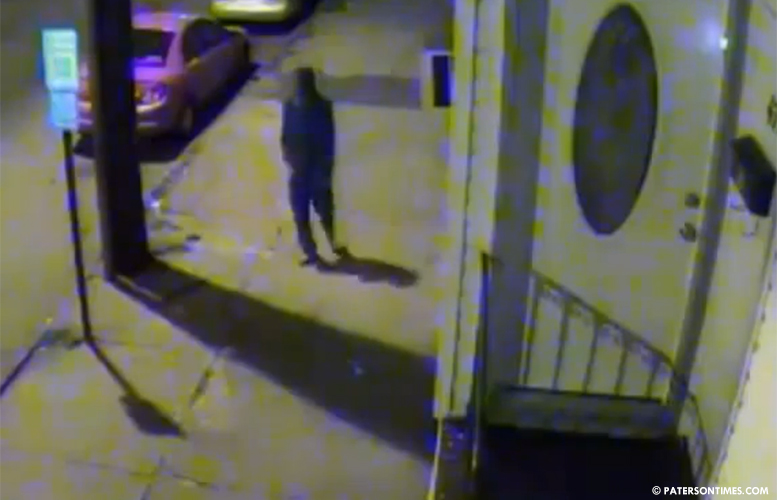 suspect-on-video-leaving-shooting-scene