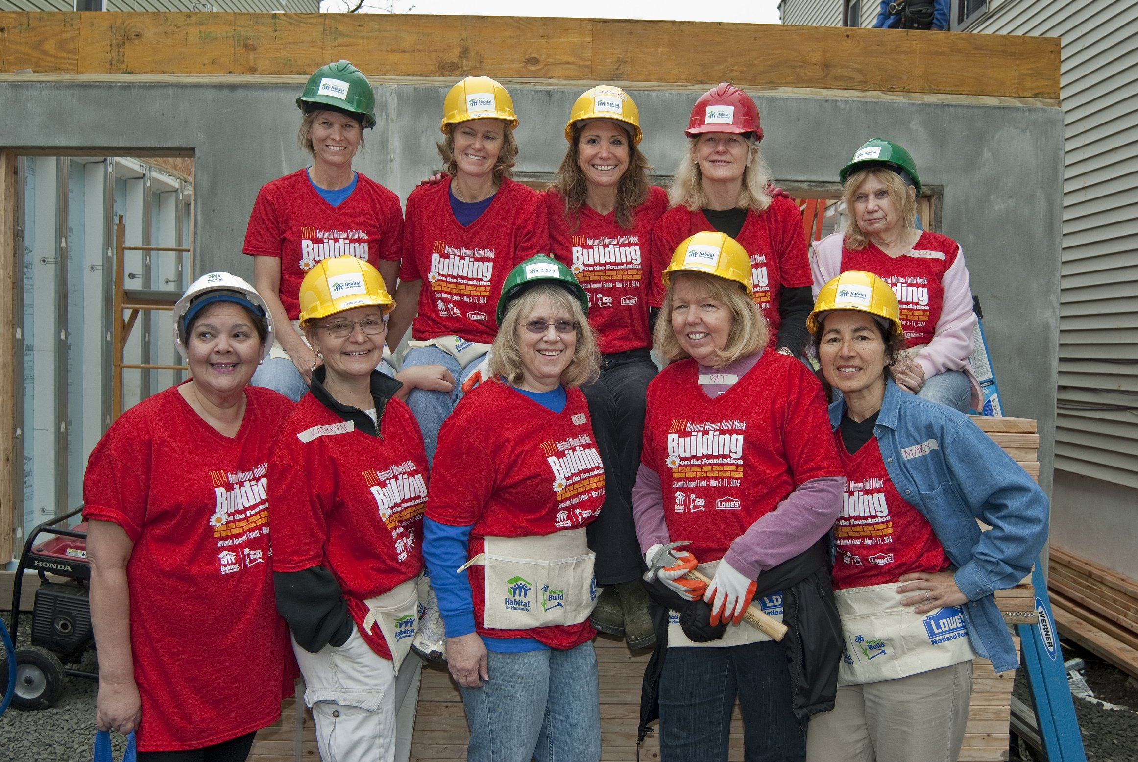 Habitat-for-Humanity-women-build