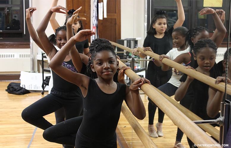 school-6-ballerinas