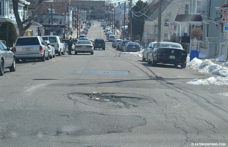 pothole-on-albion-ave