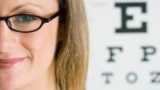woman-glasses-eyechart