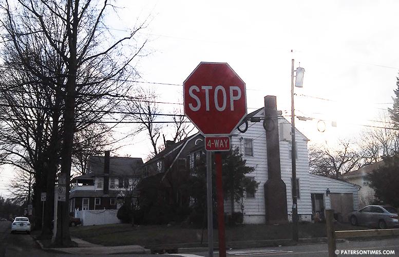 4-way-stop-sign