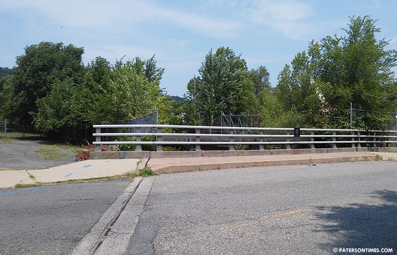 crosby-avenue-bridge-over-molly-ann-brook