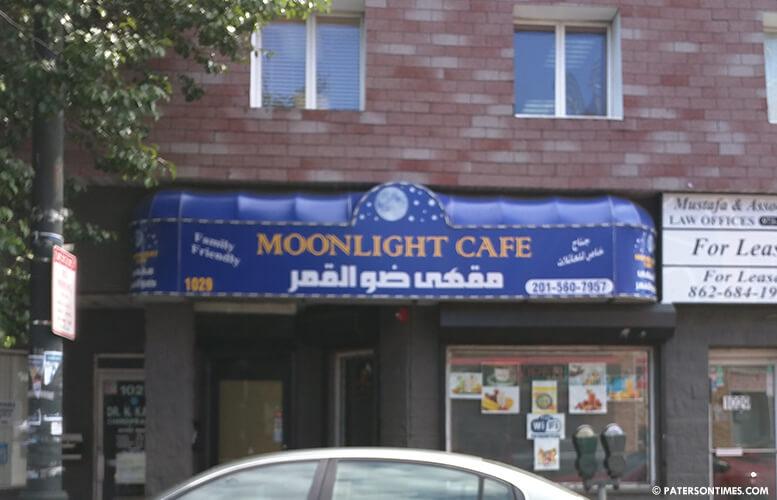 moonlight-cafe