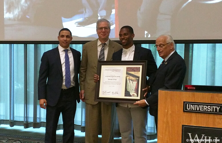victor-cruz-honored-by-hamilton-partnership-for-paterson