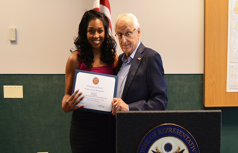 brianna-shannon-gets-award-from-pascrell