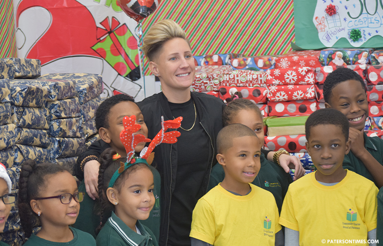 Jennifer-Olawski-with-students